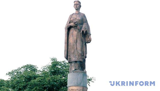 Пам'ятник Роксолані в Рогатині. З фондів Укрінформу