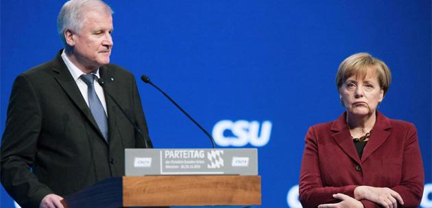 Зеехофер, Меркель