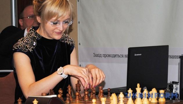 Ганна Ушеніна під час матчу з прогресивних шахів. Фото: Укрінформ