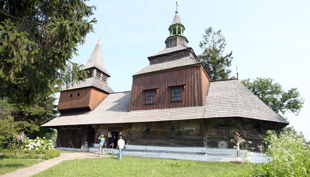 Церква Зішестя Святого Духа стала частиною спадщини ЮНЕСКО, м. Рогатин, Івано-Франківська область, 9 липня 2013 року. Фото: Укрінформ