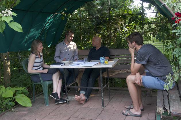 Зустріч митців на дачі Олексія Доричевського під Києвом. Торстен Келле – босоніж