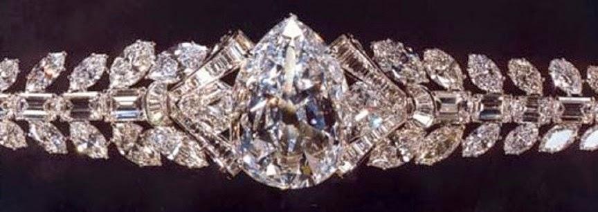 """Браслет с одним из бриллинтов, полученных из алмаза """"Эксельсиор"""" / Фото: www.emaze.com"""