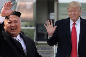 Трамп заявив, що не поспішає з денуклеаризацією КНДР