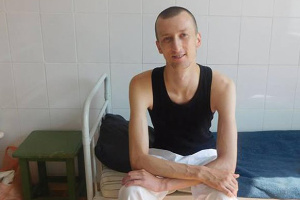 Мать накормила Кольченко борщом в российской колонии
