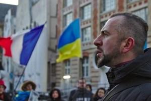 Учням української школи у Варшаві показали фільм про Василя Сліпака