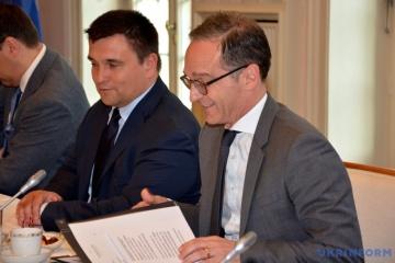 Klimkin mantendrá conversaciones con Maas sobre una mayor presión a Rusia