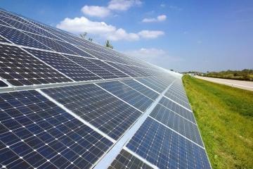 Ponen en marcha la primera planta de energía solar en la carretera Odesa-Kyiv