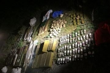 Une cache d'armes lourdes découverte aux abords de Kyiv