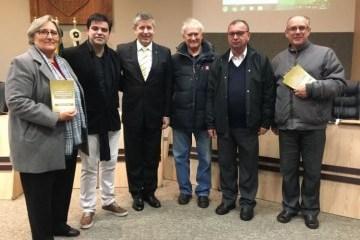 Книгу про Голодомор за спогадами українських бразильців презентували у  штаті Парана 1cc6433675213