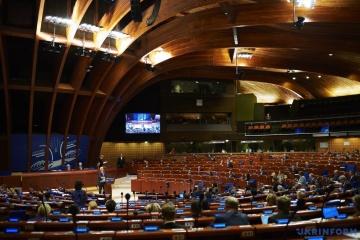 Europarat: Ukrainische Delegation will mit 200 Änderungsanträgen Aufhebung der Sanktionen gegen Russland verhindern