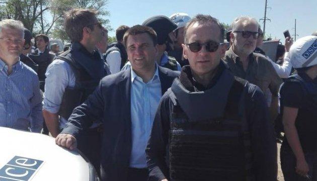Klimkin, Maas arrive in Shyrokyne