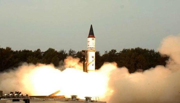 Индия испытала ракету, способную нести ядерную боеголовку - СМИ