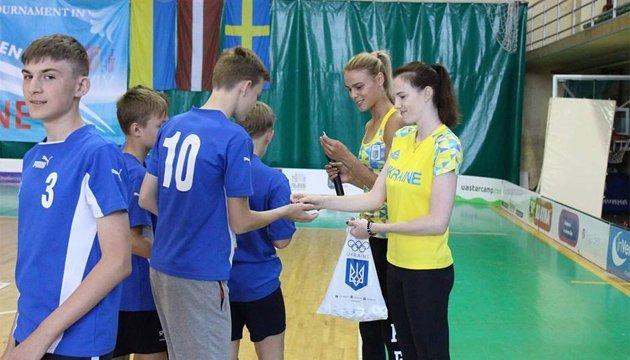 Посол на ЮОІ-2018 Юлія Левченко провела Олімпійську розминку з флорболу