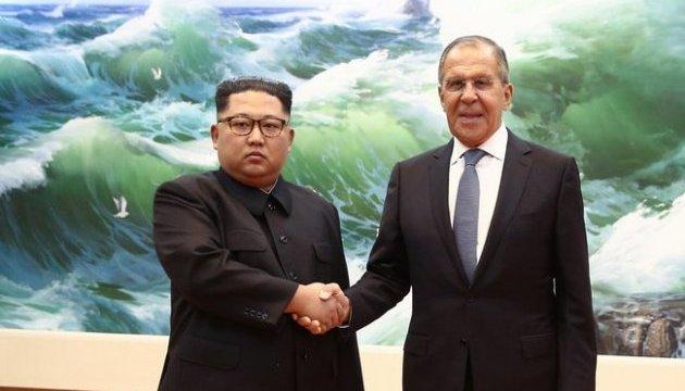 Російські ЗМІ прималювали посмішку Кім Чен Ину на зустрічі з Лавровим