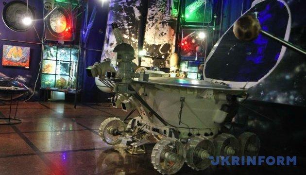 В житомирском музее экскурсии помогает проводить робот