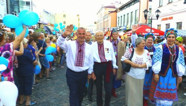 У Білорусі на фестивалі національних культур пройшла українська хода