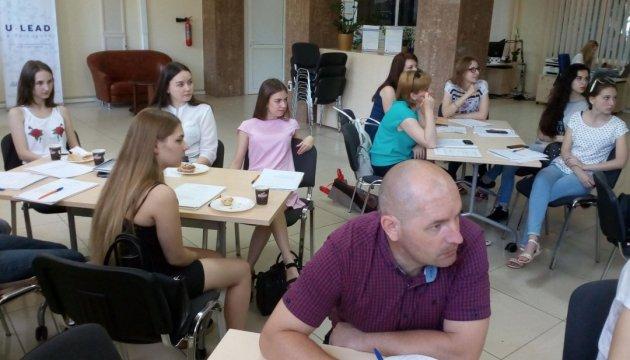 Як відрізняти факт від фейку - вчили на Миколаївщині