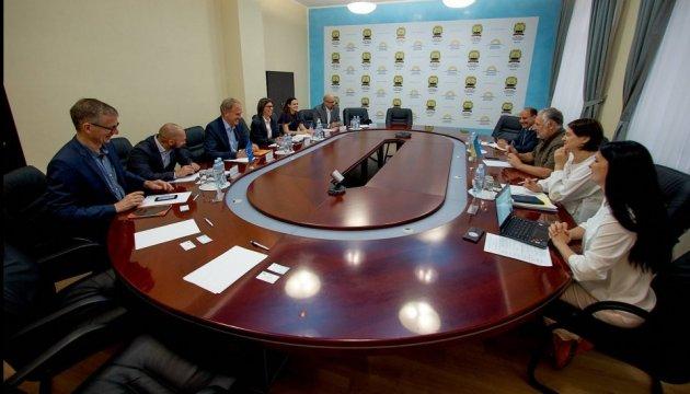 Жебрівський зустрівся з делегацією місії USAID і Представництва ЄС в Україні