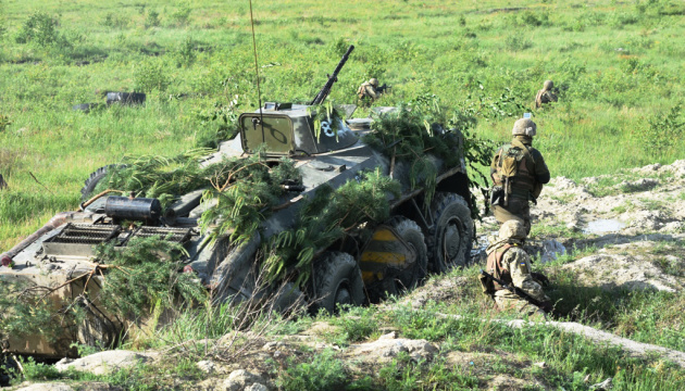 Donbass: 38 feindliche Angriffe und zwei verletzte Soldaten