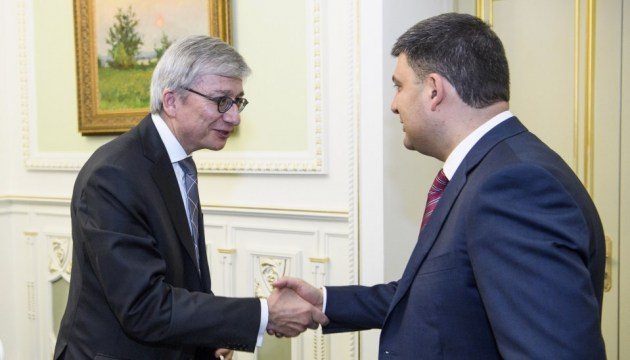 Ukrainian PM, UWC president discuss ways to attract investments and technologies in Ukraine