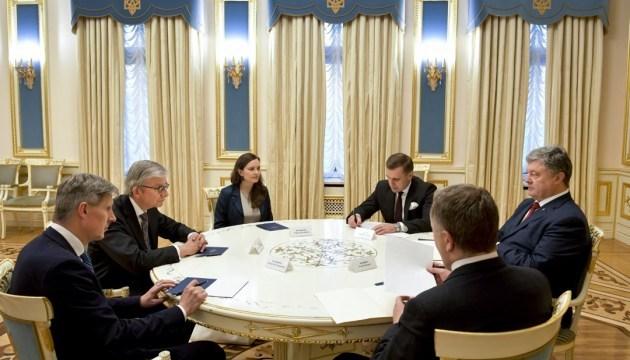 Poroshenko pide a la Diáspora que se una a la liberación de los prisioneros del Kremlin