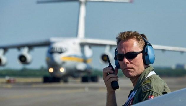Ucrania presentará aviones militares en el airshow danés (Fotos)