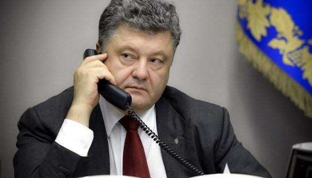 Poroshenko y Putin acuerdan visitas de los defensores del pueblo a los prisioneros