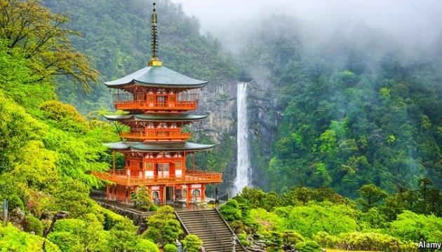 Туристы смогут переночевать в древних храмах Японии