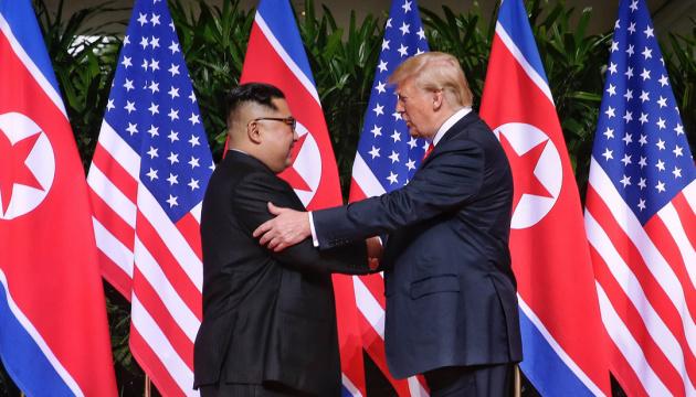 Трамп поблагодарил Ким Чен Ына за парад без ядерного оружия