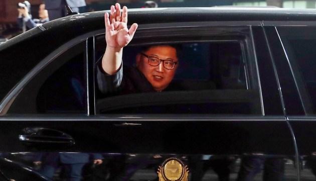 Кім Чен Ин привіз на зустріч у Сінгапур особистий унітаз
