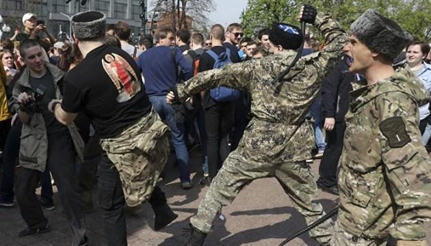 К охране ЧМ в России привлекли казаков, воевавших на Донбассе и в Сирии — Reuters