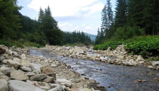 Спасатели предупреждают о подъеме воды и селевых потоках на горных реках