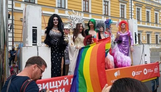 """630 360 1529223526 9431 - """"КиївПрайд-2019"""": колона ЛГБТ-військових, підтримка партій та Maruv"""