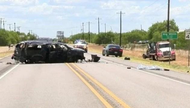 В Техасе перевернулся микроавтобус: по меньшей мере 5 погибших
