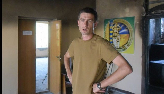 В Мариуполе избили пограничника за требование дать меню на украинском