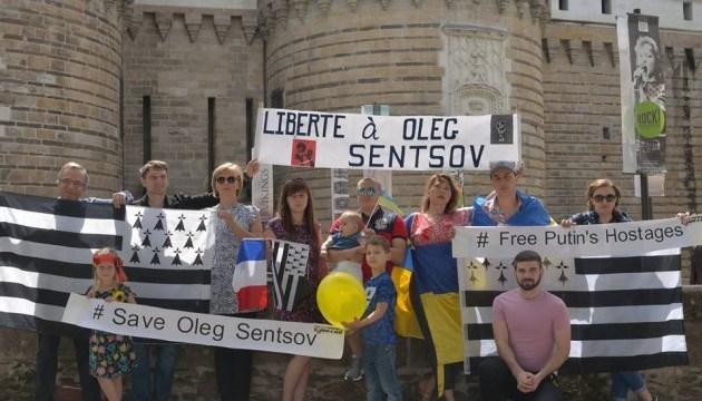 Bernard Grua, Ukrinform, Sentsov, Bretagne, en Ukrainien