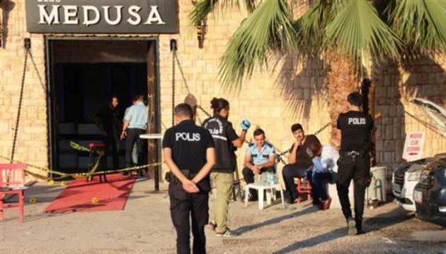 У Туреччині в результаті стрілянини в нічному клубі загинуло двоє людей