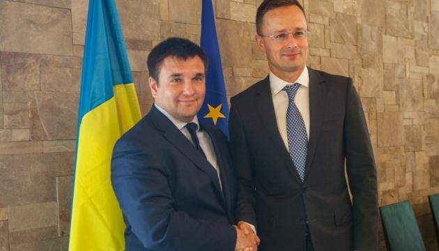 Szijjártó tras reunirse con Klimkin: Pasos positivos y un buen compromiso