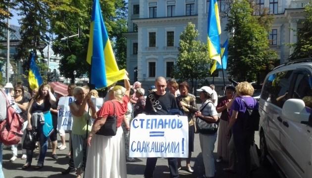 Активісти прийшли на Банкову за відставкою губернатора Одещини