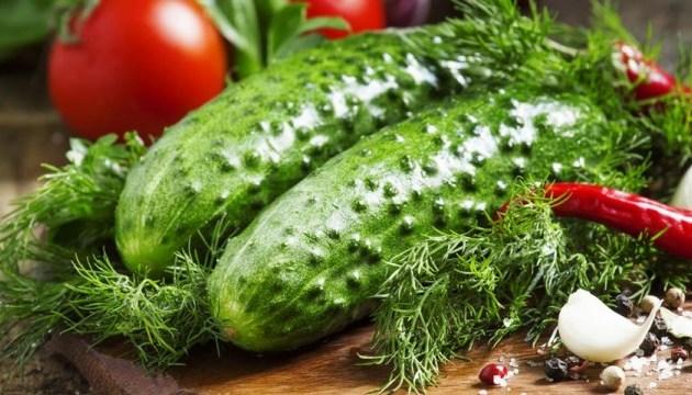 В Украине рекордно вырос импорт огурцов и помидоров