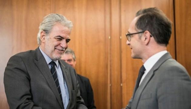 Глава МИД ФРГ обсудил с представителем ЕК вопросы гуманитарной помощи Украине