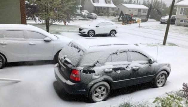 Схід Канади засипало снігом