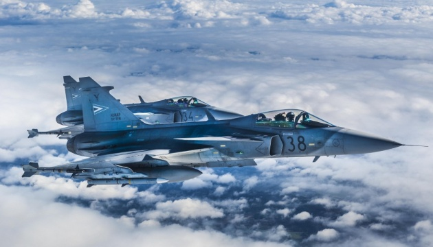 Авиапатруль НАТО в Балтии за неделю восемь раз сопровождал военные самолеты РФ