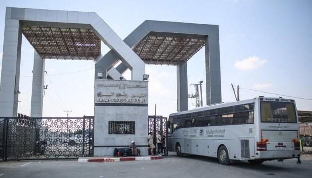 Египет на три дня закрыл пункт пропуска на границе с Газой