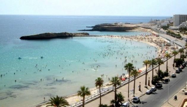 Українські туристи застрягли в Тунісі, до них поїхав консул