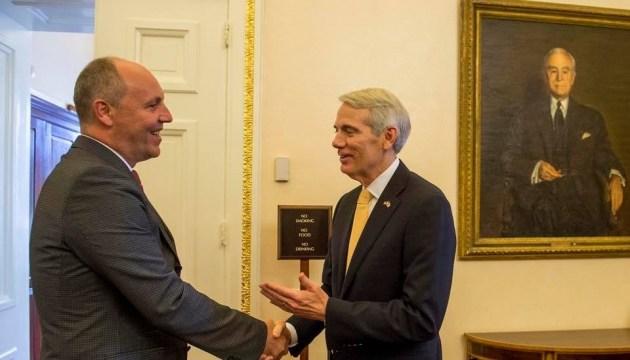 Парубий обсудил с американским сенатором резолюцию по Голодомору