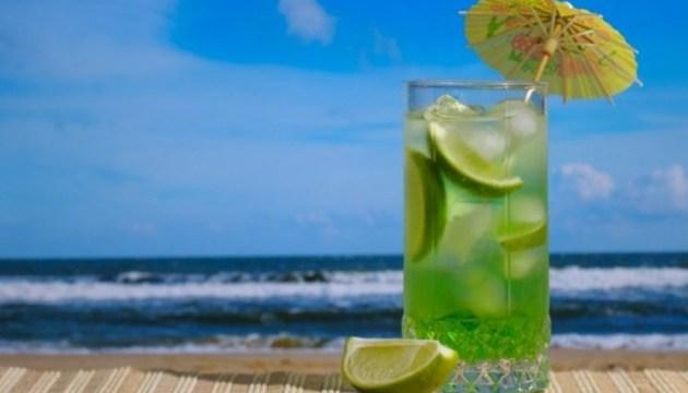 Супрун объяснила, почему алкоголь не стоит пить в жару