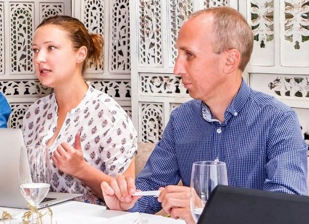 Гендиректор туристичного онлайн-сервісу TripSee Юлія Челікпазу та директор Центру розвитку туризму Володимир Царук