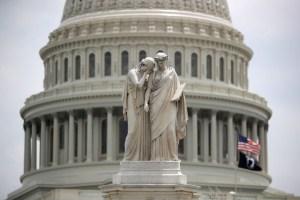 У Сенаті готові реагувати на звільнення Трампом свідків по справі імпічменту