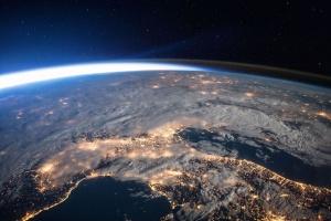 Китай уверяет, что обломки его ракеты не причинят вред людям на Земле